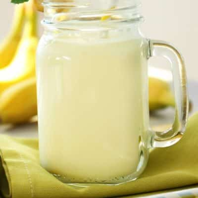 banana shake with milk